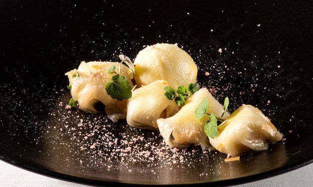 Ravioles d'ananas marinées, farcies d'une crème de Mascarpone au rhum blanc