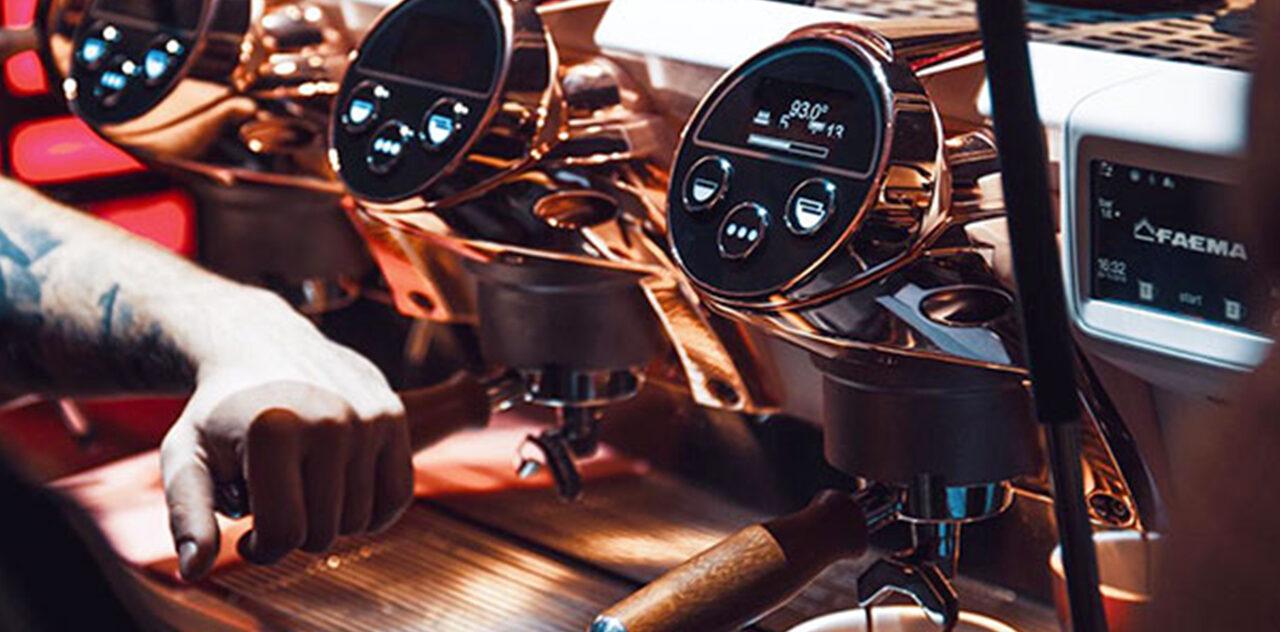 Des machines à café de tous les types et de toutes les couleurs