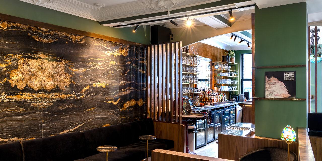 Velours-Bar in Halle: het vloeibare project van Andy De Brouwer
